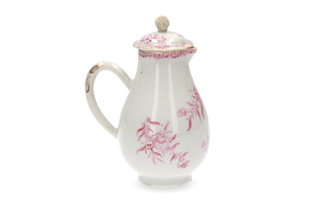 A pink and white porcelain export set with a tea caddy - 8