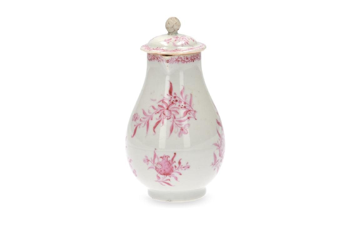 A pink and white porcelain export set with a tea caddy - 9