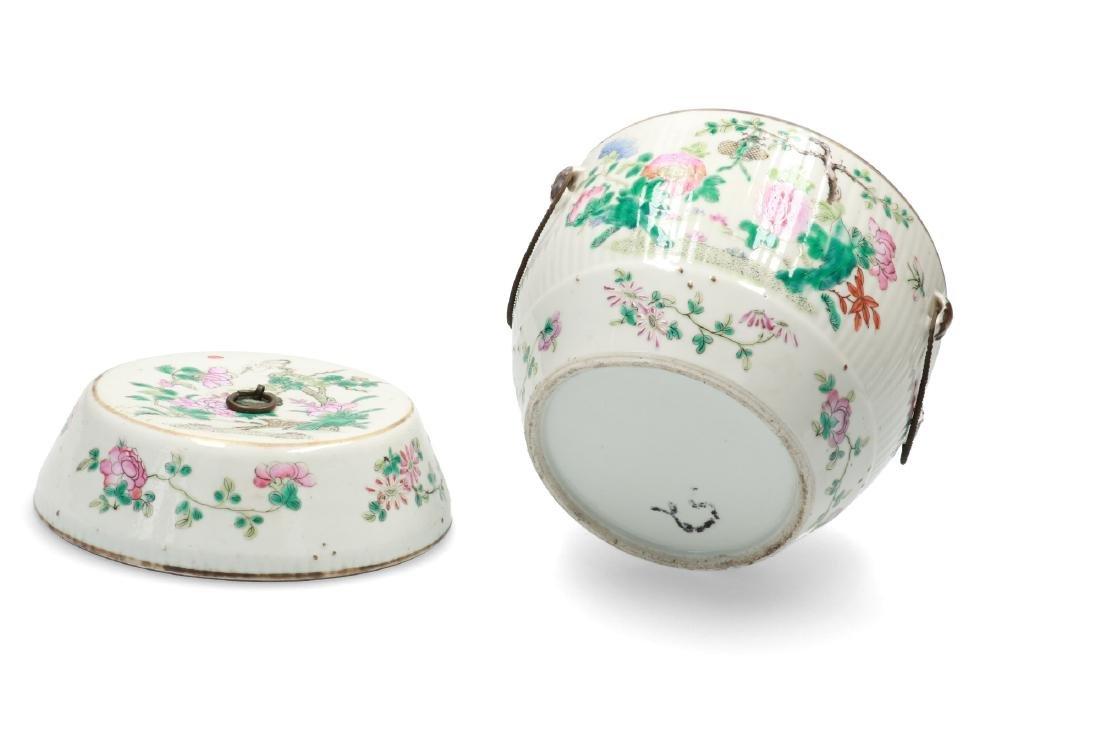 A polychrome porcelain lidded jar decorated with deer, - 5
