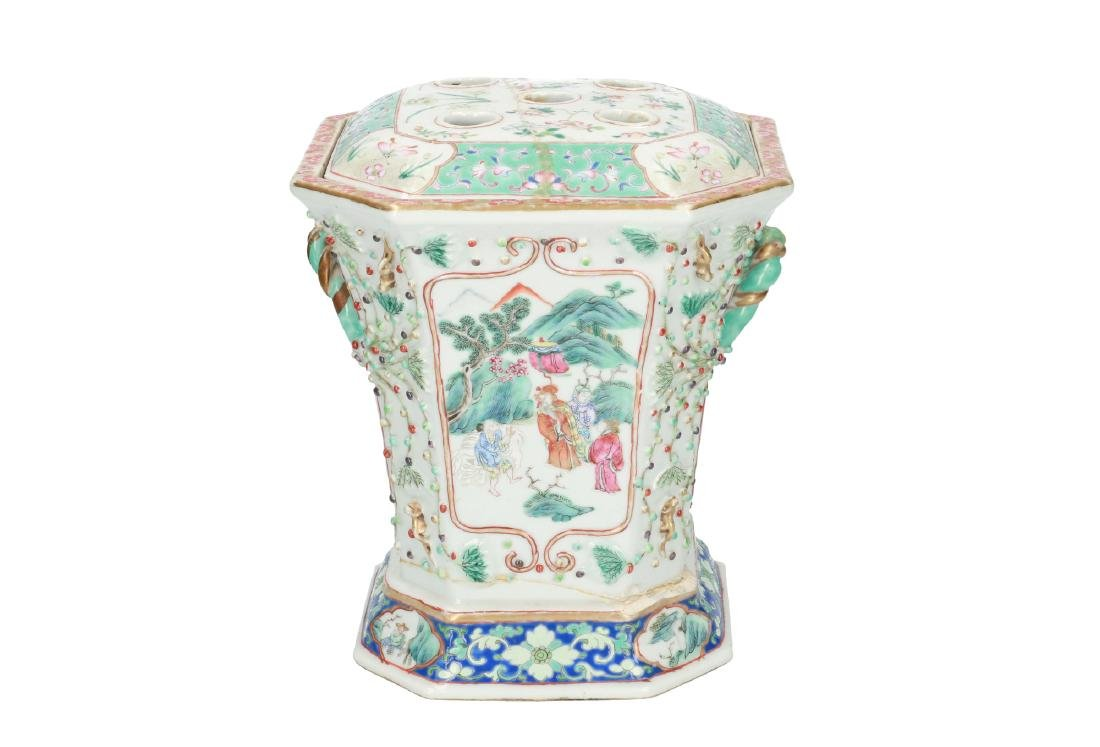 A polychrome porcelain octagonal insence burner with a - 3
