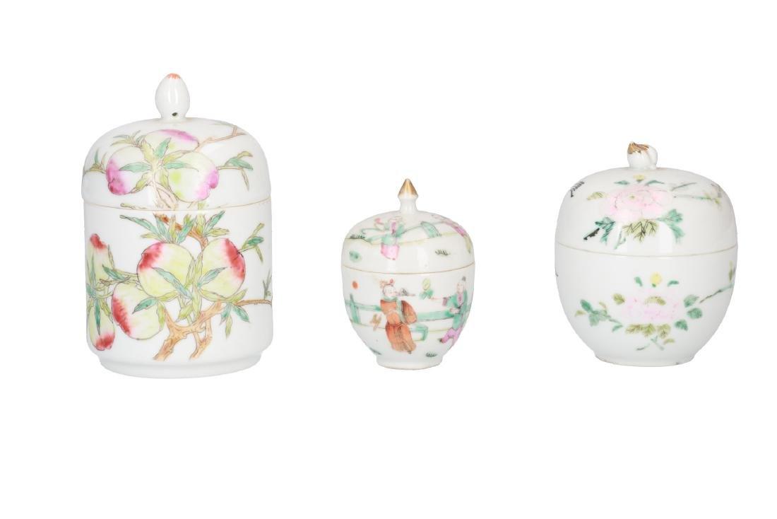 A lot of 10 diverse polychrome porcelain items, - 5
