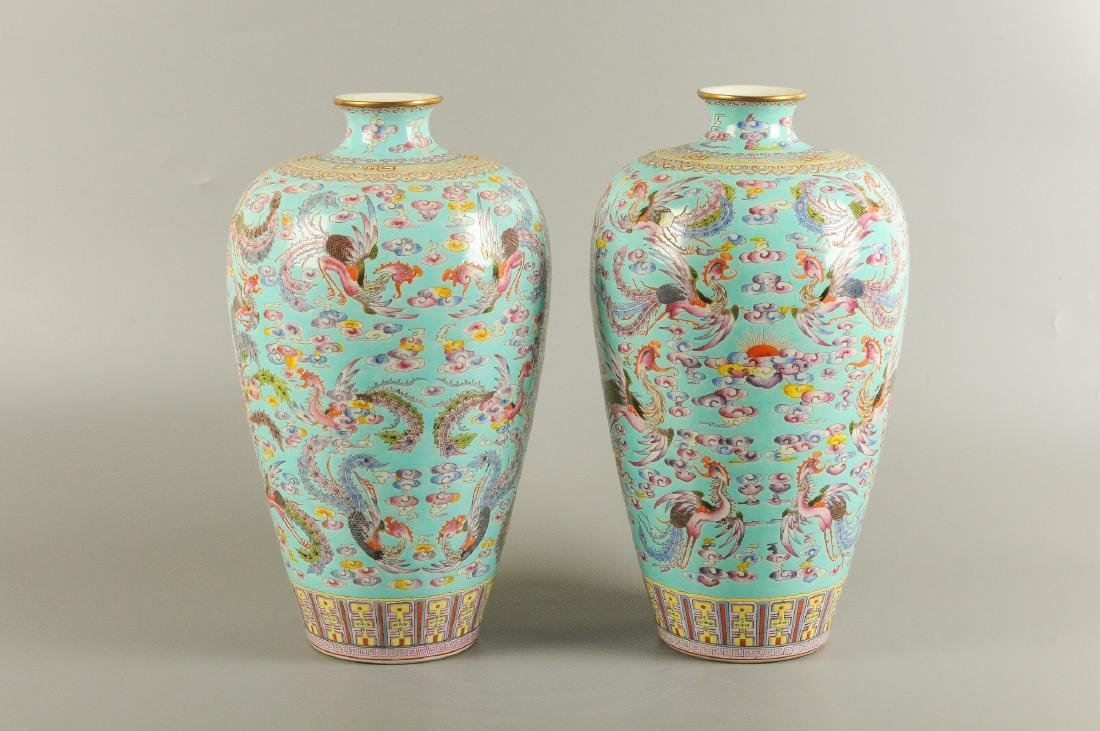 A pair of polychrome porcelain Meiping vases, decorated - 2