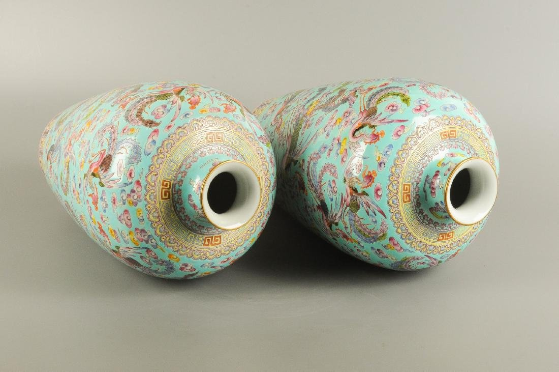 A pair of polychrome porcelain Meiping vases, decorated - 3