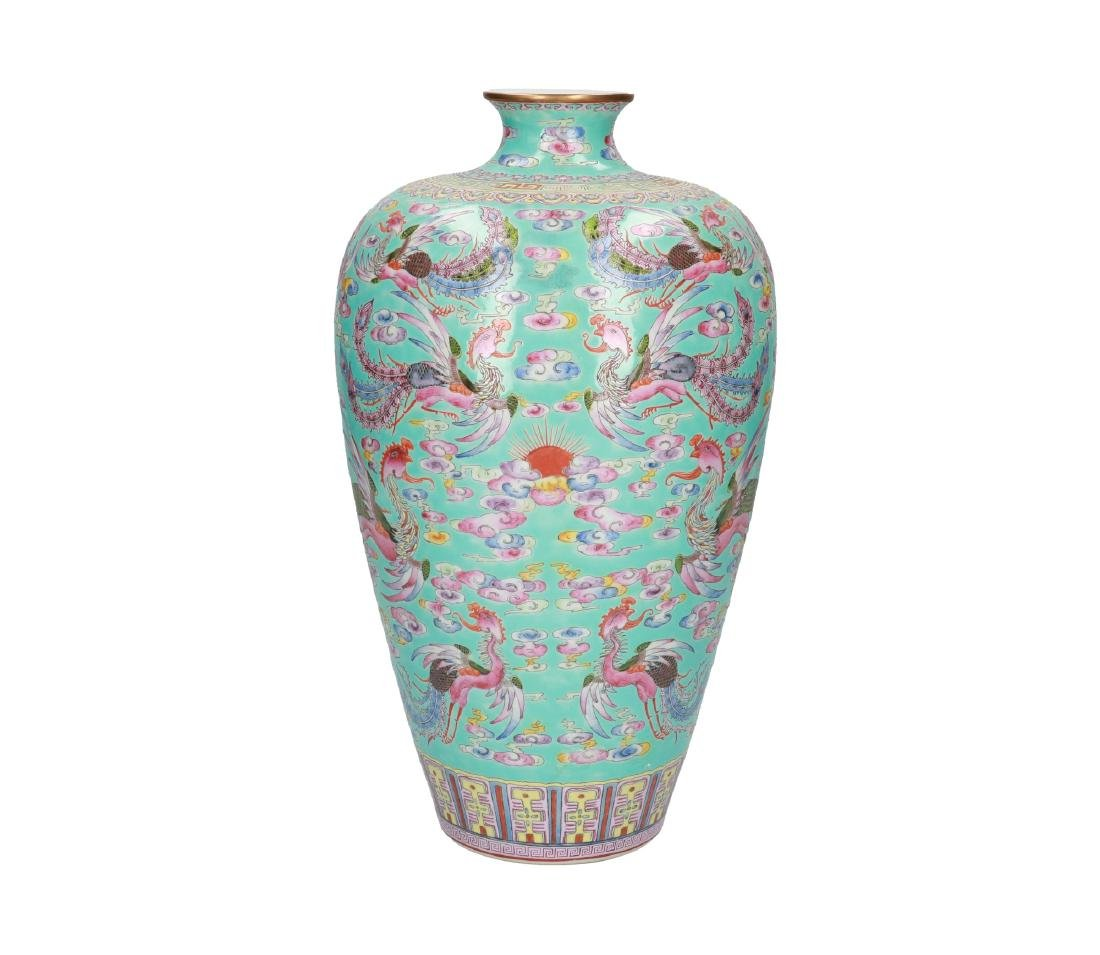 A pair of polychrome porcelain Meiping vases, decorated - 8