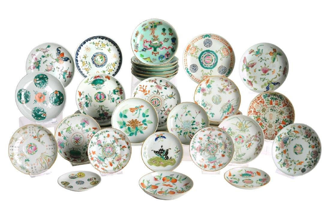 A lot of 36 polychrome porcelain saucers, including