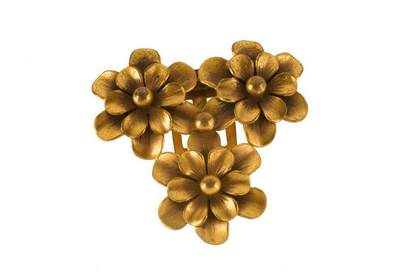 A Joseff Hollywood goldtone floral clip. Signed Joseff