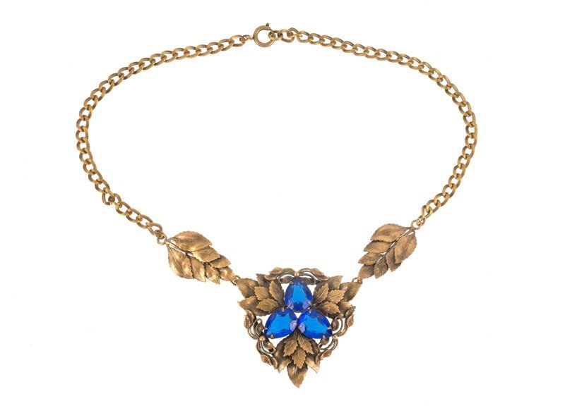 A Joseff Hollywood goldtone necklace with floral