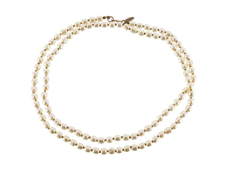 A Miriam Haskell faux pearl necklace. Signed Miriam