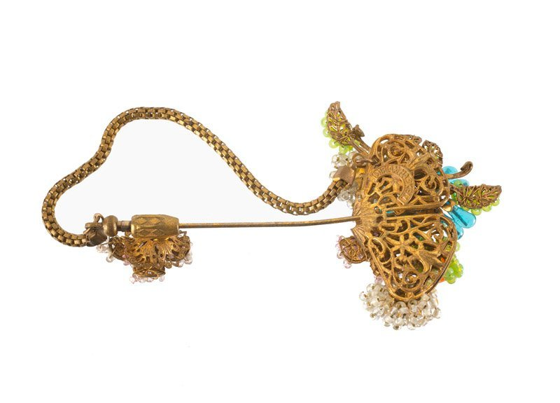 A Miriam Haskell goldtone flower pin brooch, set with - 2