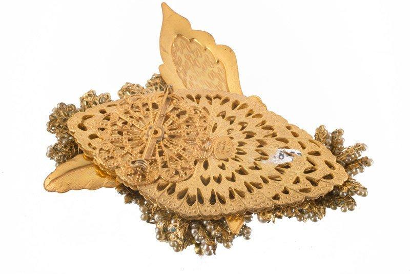 A Stanley Hagler goldtone floral brooch, set with - 2