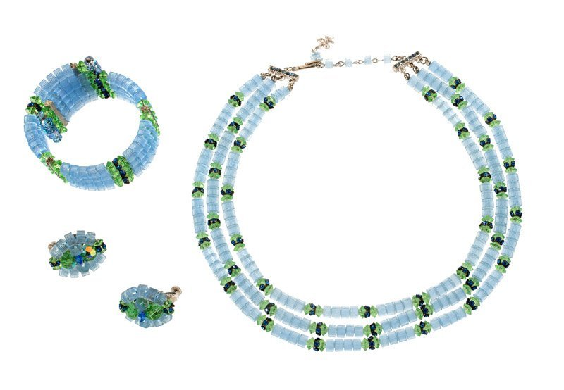 A Vendome Necklace, bracelet and pair of earclips. Set