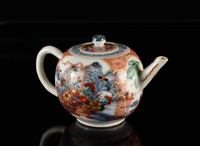 An 'Amsterdams Bont' porcelain teapot. China, 18th - 3