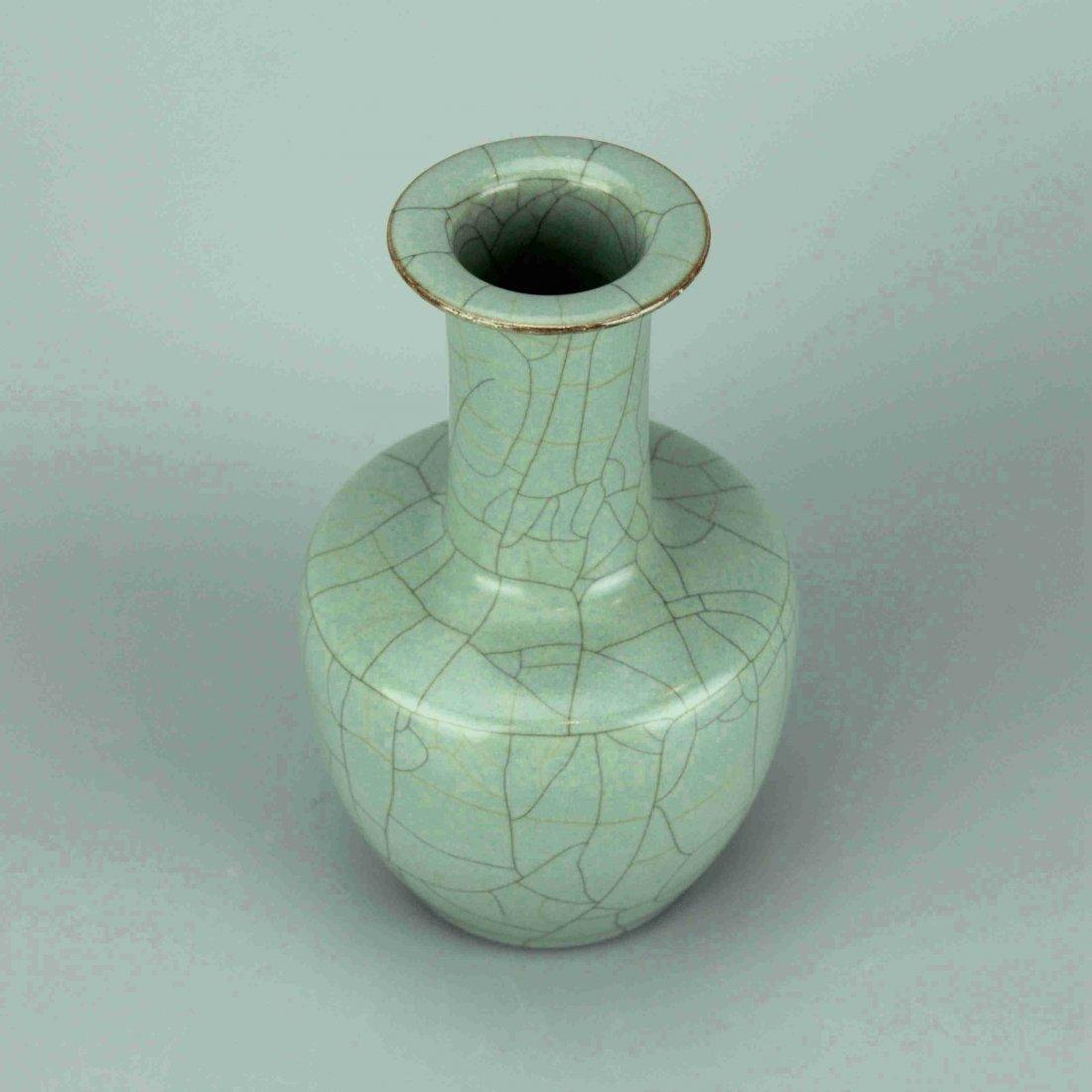 Chinese Crackle Celadon Glaze Porcelain Vase - 4