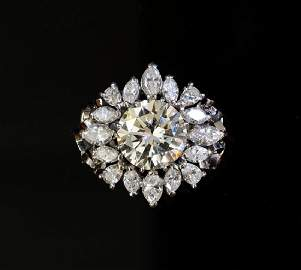 Large diamond ring, set with a round brilliant cut