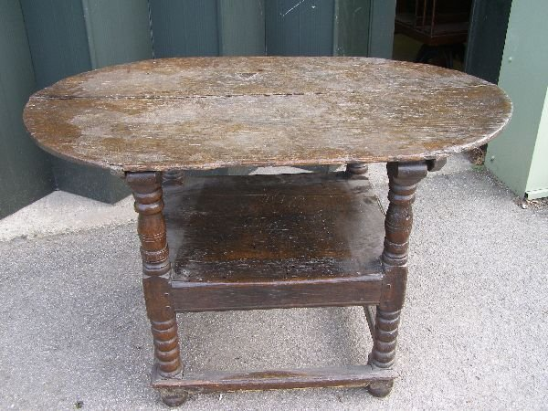 151: 18th century oak monk's chair/table