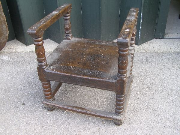151: 18th century oak monk's chair/table - 4