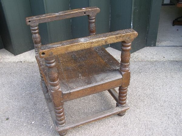 151: 18th century oak monk's chair/table - 7
