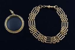 Antique gold gate link bracelet, unmarked, tested