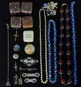 Collection of mainly1930's jewellery, including p