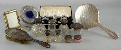 George V silver three piece cruet set, comprising