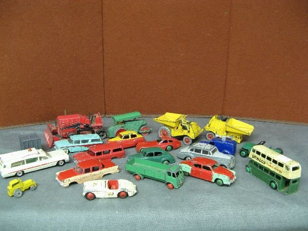 834: Various Dinky Toys
