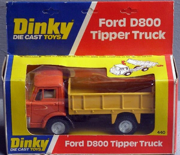 849: A Dinky 440 Ford D800 tipper truck