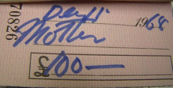 2009: Francis Bacon signed cheque No. 022081. A cheque  - 3