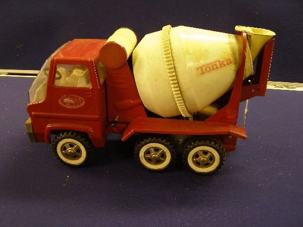 885: Tonka bulldozer and cement mixer