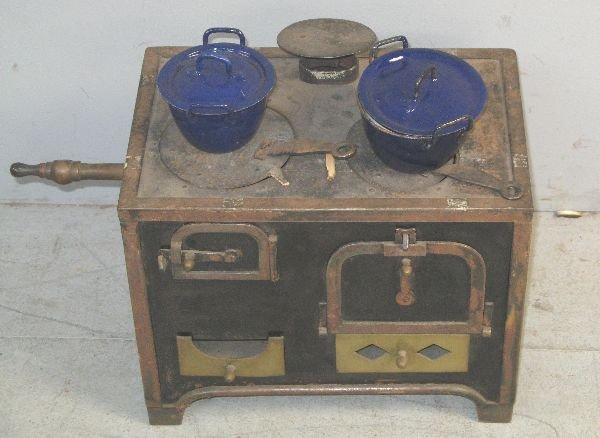 18: Miniature stove