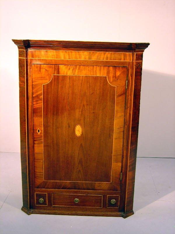 1: George III mahogany crossbanded and boxwood line inl