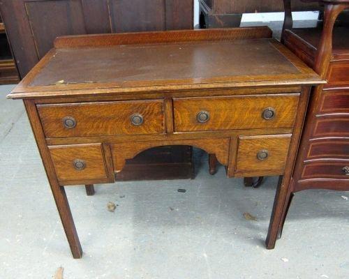 1920's oak desk 36