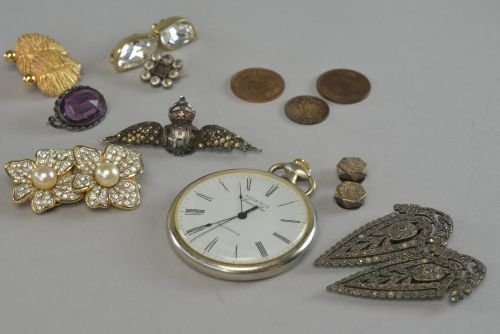 Various items to include three pairs of fashion
