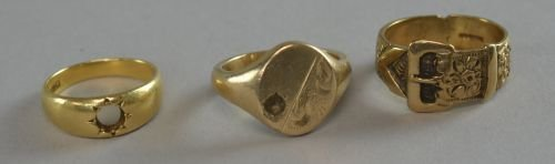18ct gold signet ring ( lacking stone) another 9ct and