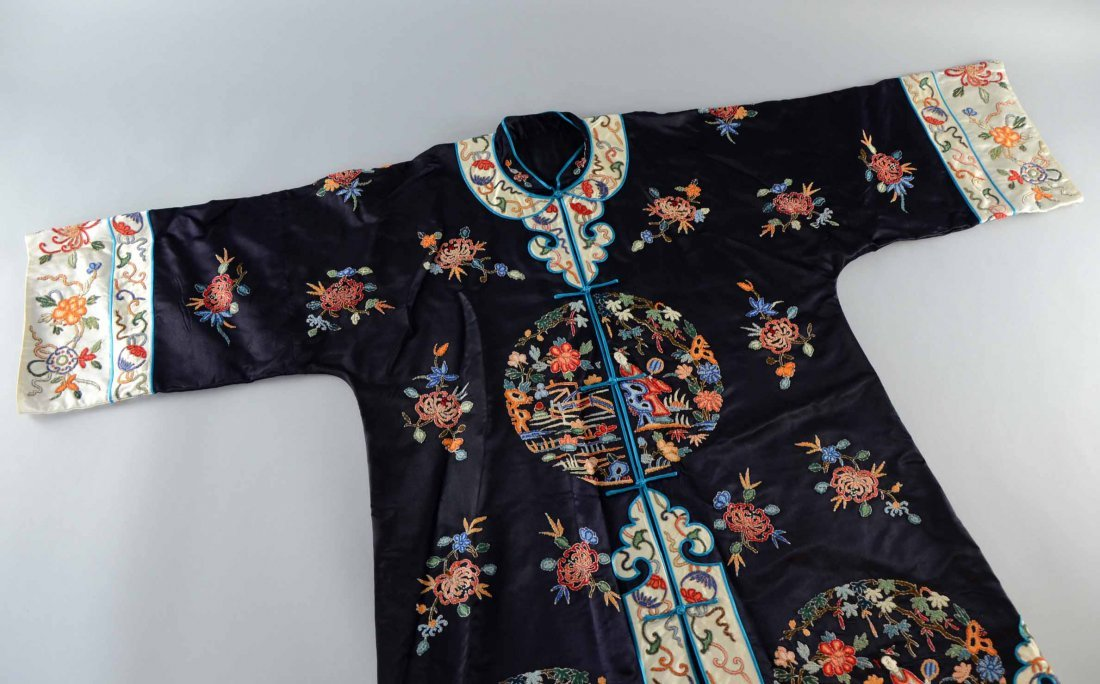 Chinese silk embroidered in Peking knot stitch ,