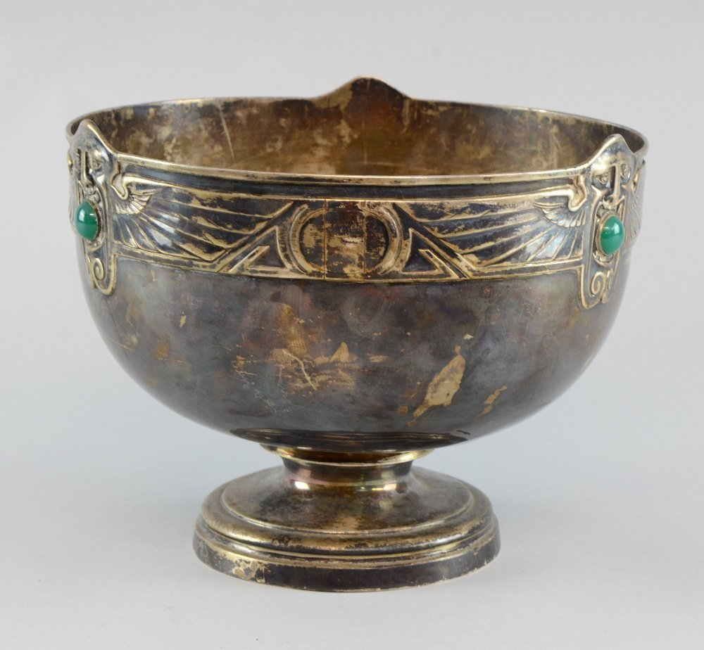 Early 20th century Sucessionist bowl rim decorated with