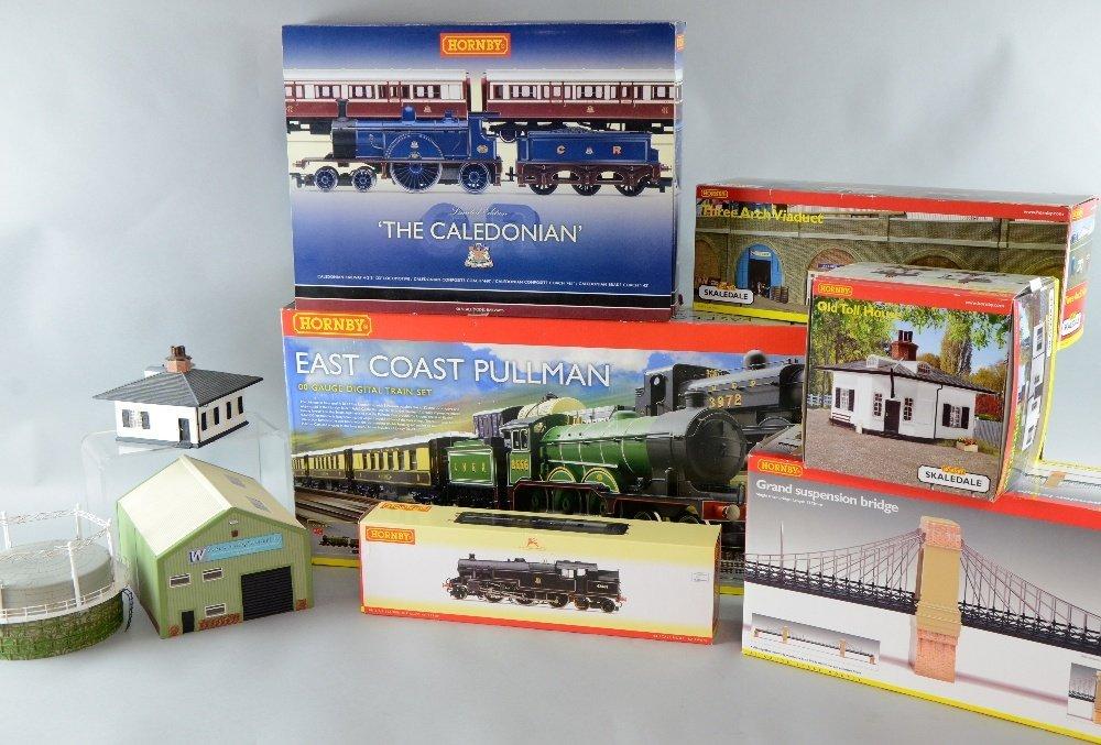 Modern Hornby East Coast Pullman Digital train set and