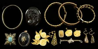 Collection of jewellery to include Victorian banded