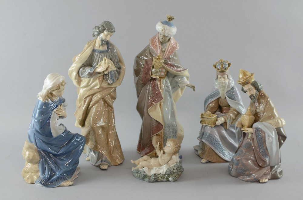 Lladro nativity set of baby Jesus , Mary, Joseph and - 2