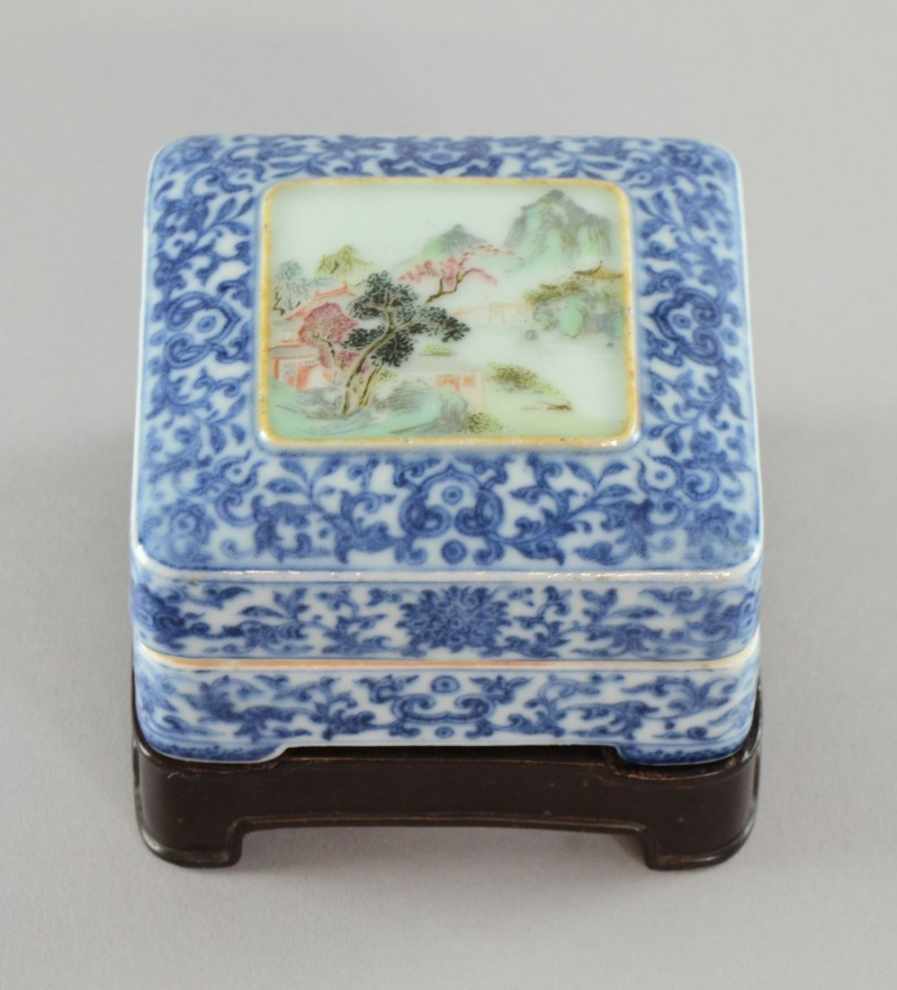Chinese blue and white square box and cover with