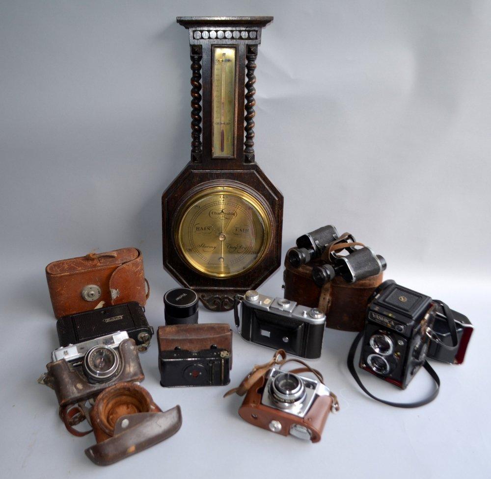 Collection of camera to include Minolta A5, Vivitar ,