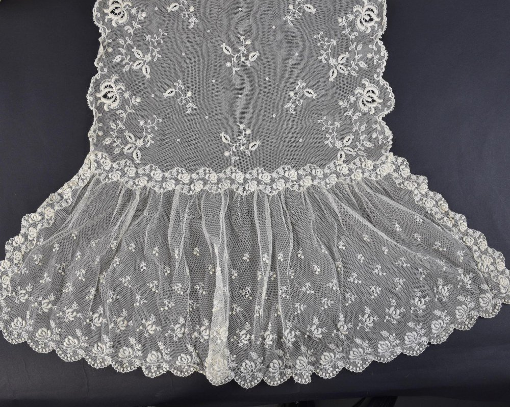19th C lace stole or veil, worked on net with flora