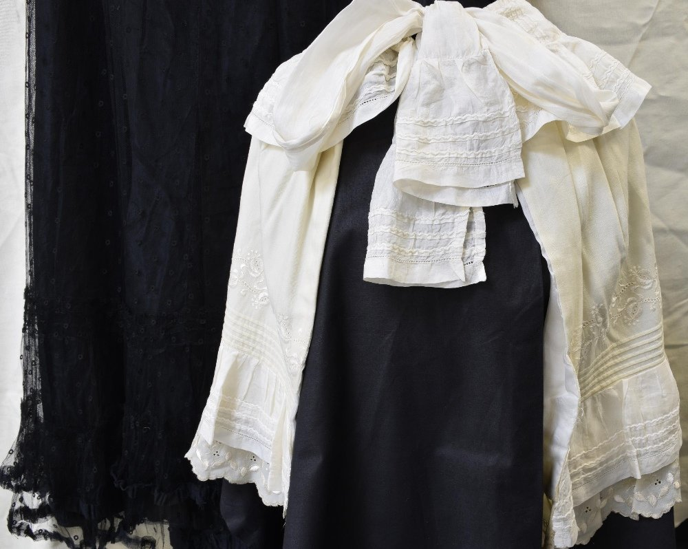 Late Victorian skirt of black lace over silk and net - 2