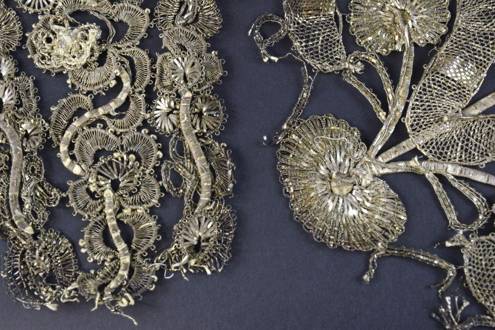 Silvered thread lace stomacher, Spain C 1750, with a - 2