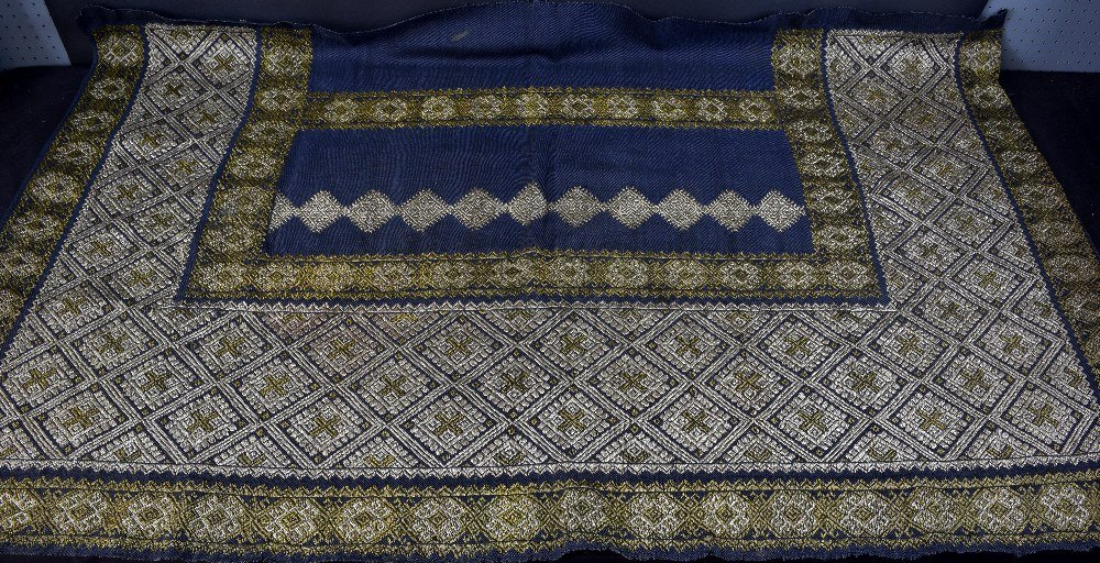 19th Century Romanian skirt panel, heavily embroidered - 2