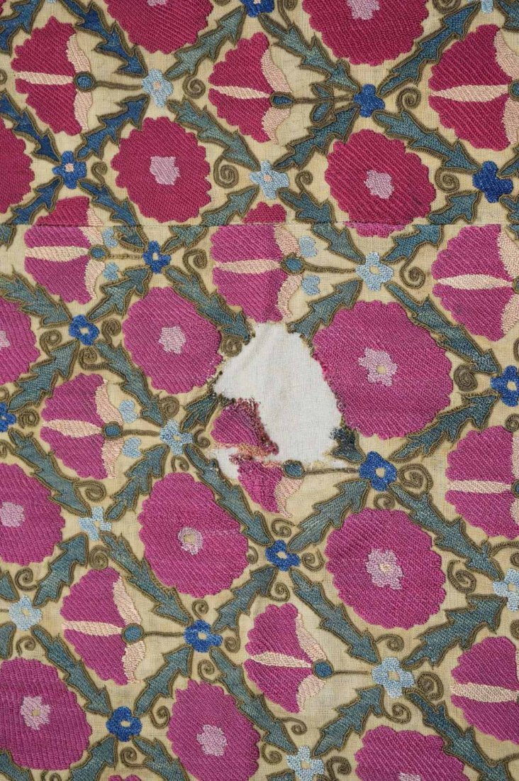 Suzani, west Turkistan, early 19th C, finely stitched - 4