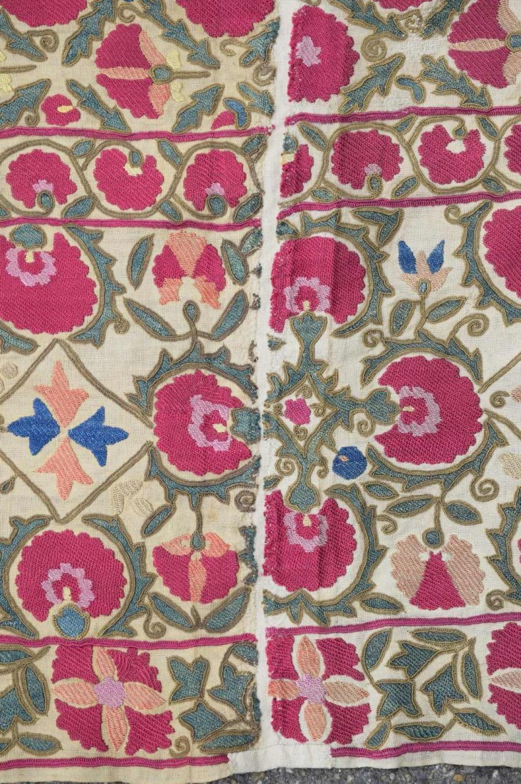 Suzani, west Turkistan, early 19th C, finely stitched - 5