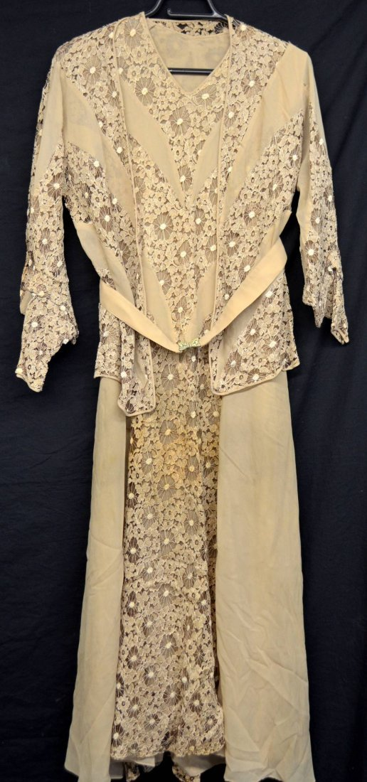 Quantity of items including a 1930's coffee chiffon - 4