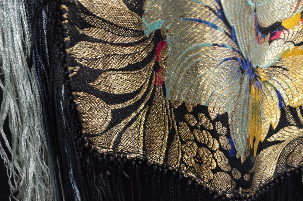 Shawl brocaded with gold and  bold flowers and deep - 3