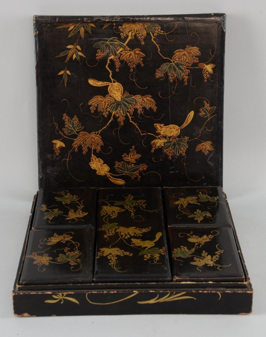 19th century Japanese lacquered box decorated with