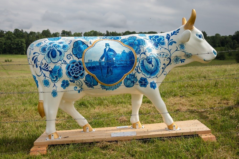 † Blue Cow Bone China - Inspired by blue and white